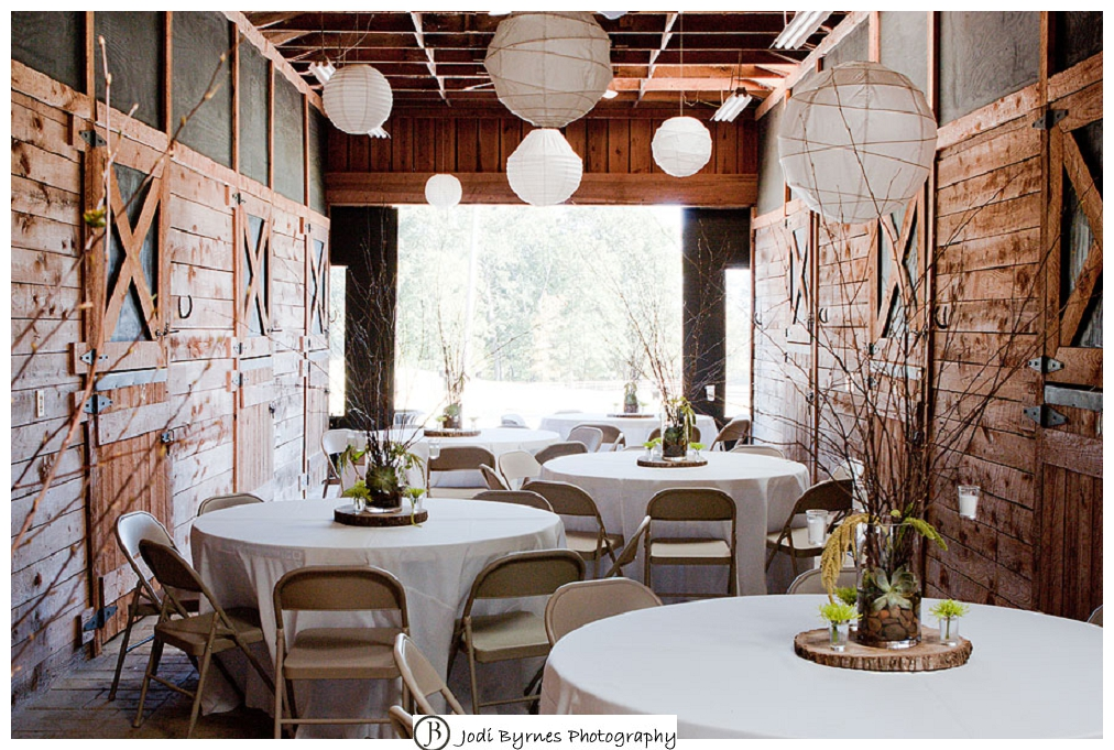 Lindsey Plantation barn reception