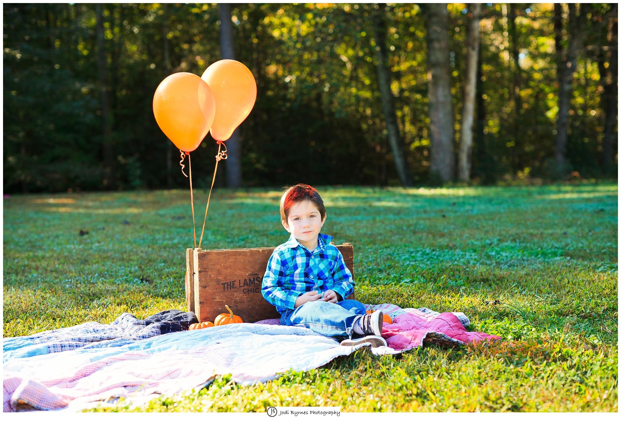 park balloons boy picture