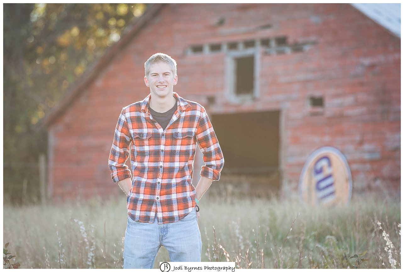 old barn for senior pictures